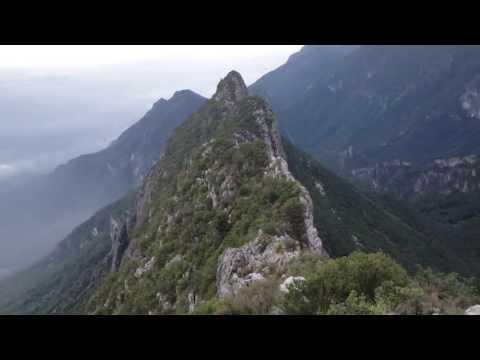 Vista desde el Copete de las Aguilas, Sierra Madre Oriental, Monterrey Mexico.