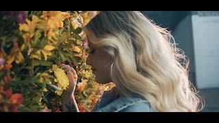 Смотреть клип Nikki Mackliff - Enamorada De Ti
