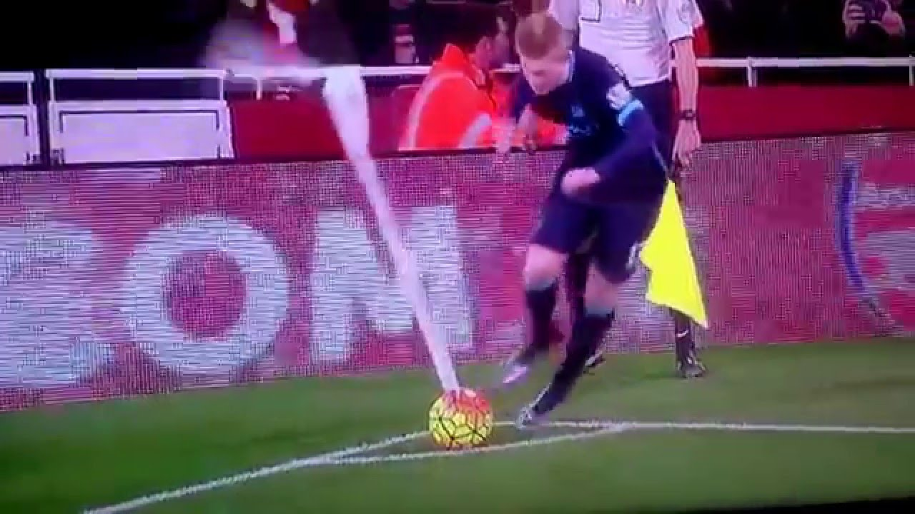 Man City Funny: Kevin De Bruyne Funny Corner Kick Fail • Arsenal Vs