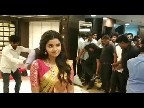 Heroine Anupama Parameswaran || LIfestyle || rk silks kukatpally || online ap news