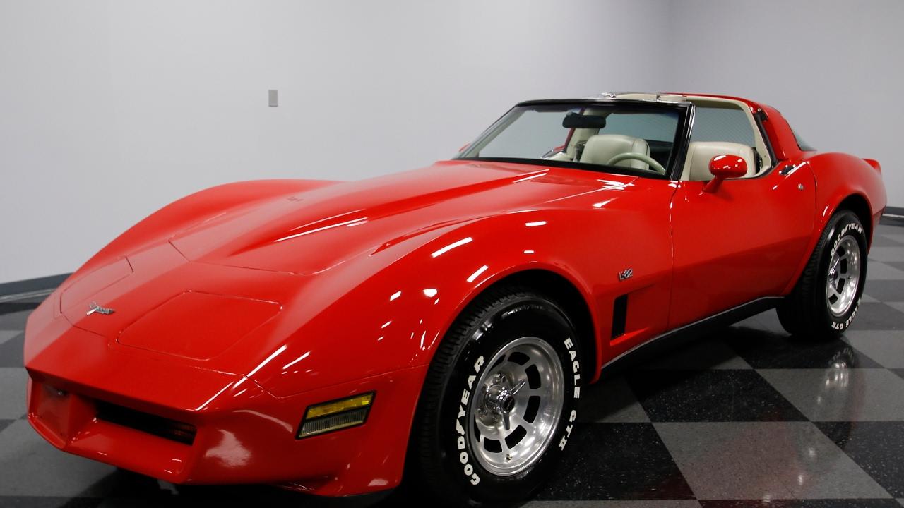 3892 Cha 1980 Chevy Corvette L82