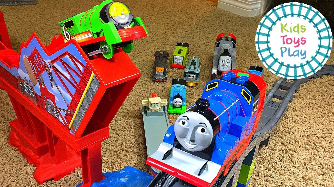 Thomas the Tank Engine Accidents Happen Train Crashes with Lego Duplo and Thomas Trackmaster