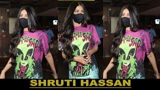 SHRUTI HASSAN SPOTTED AT AIRPORT IN MUMBAI II FILMYSTARS II