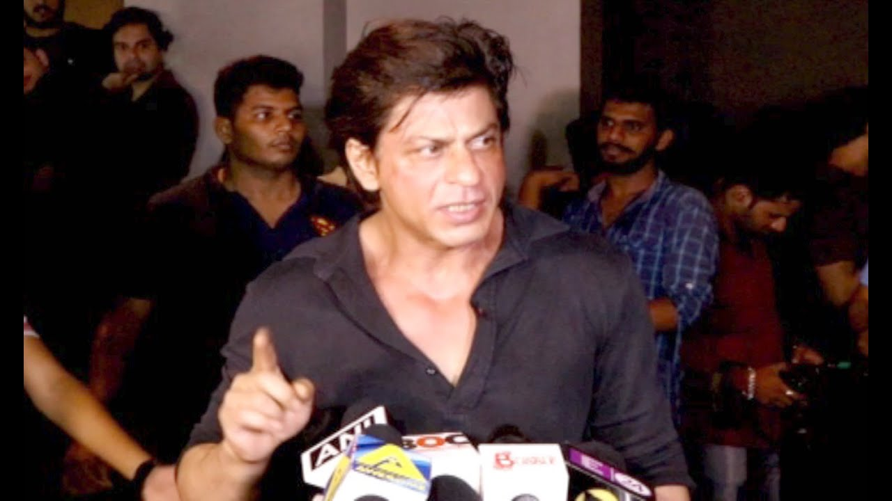 Shahrukh Khan Gets Angry On Reporter When Ask About Raees ...
