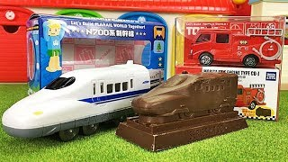 プラレール 立体チョコレートを開封!バレンタインのプレゼントに! はたらくくるま トミカのチョコ★N700系新幹線 ポンプ消防車のミニカー Gizmone
