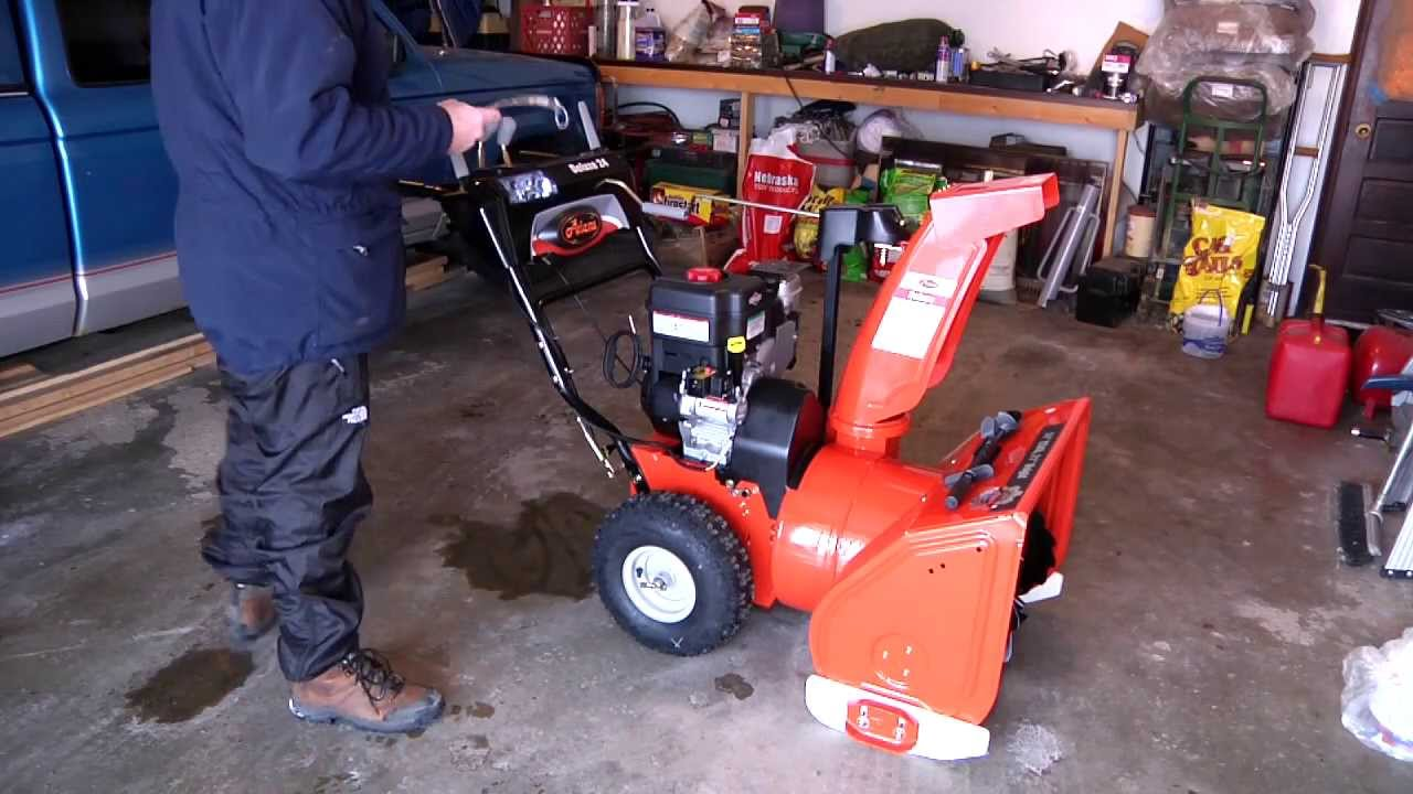 ariens 921031 2012 deluxe st24le 24 snow blower first start belt break in blowing action youtube [ 1280 x 720 Pixel ]