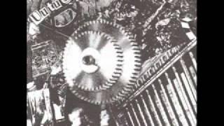 Uutuus - Systeemin rattaissa EP