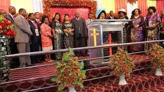 Bishop Dr  Gertrude Rwakatare akishukuru kamati ya Shiloh Tanzania 2016 Mlima wa Moto Mikocheni