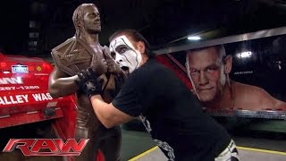 Sting destroys Seth Rollins statue: Raw, September 7, 2015