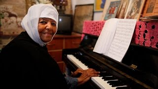 Emahoy Tsegue Maryam Guebrou Piano Playing - የእማሆይ ፀጉ ማርያም ገብሩ የፒያኖ ዜማቸው