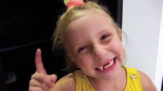 Alicia y su amiga hacen un nuevo vestido para cumpleaños