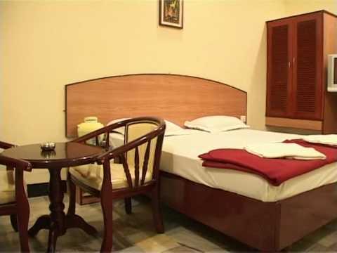 hotel-rayas-standard---kumbakonam