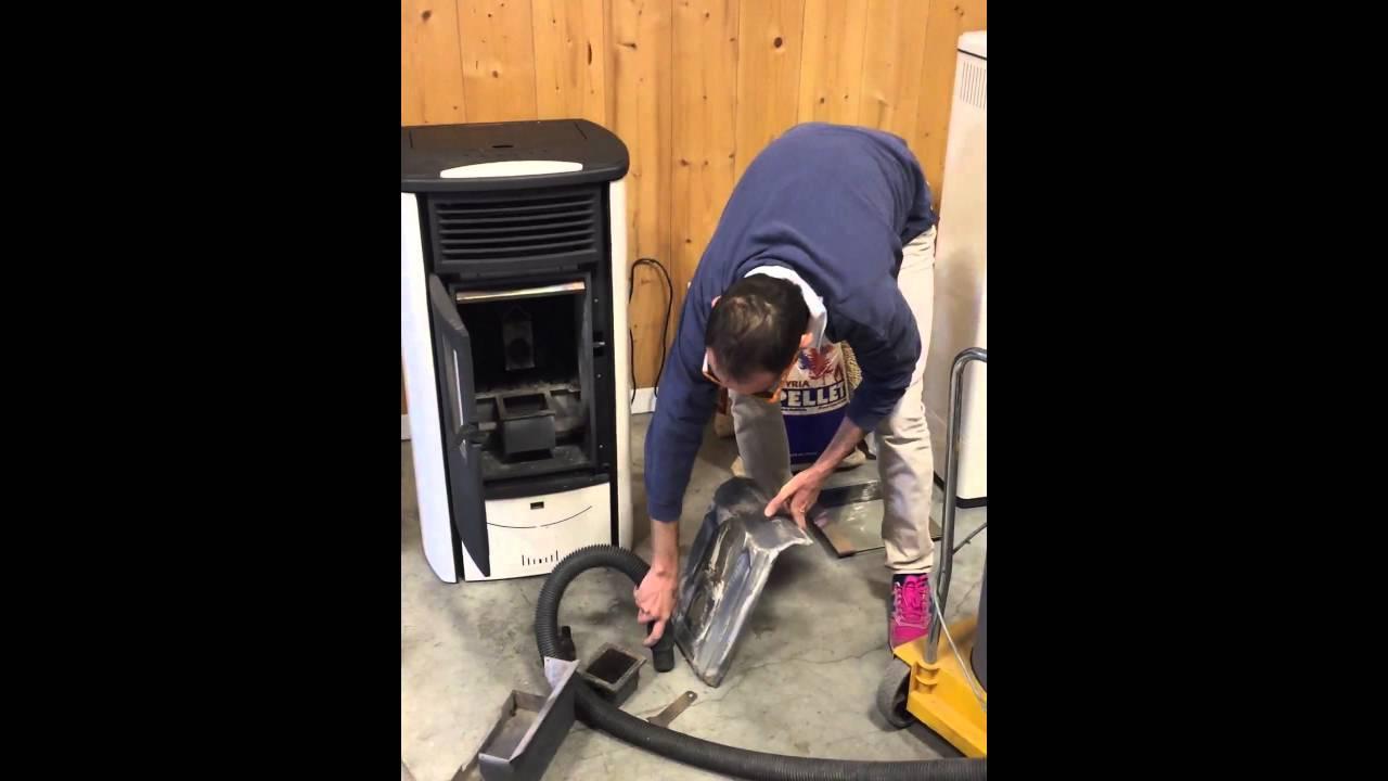 Ecco come pulire la stufa in 5 minuti alzandone il rendimento youtube - Pulire stufa a pellet ...