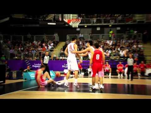 Yi massive dunk on Croatia