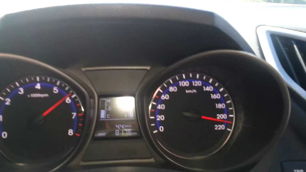 Hyundai Hb20 Acelerando 210 Km H Youtube