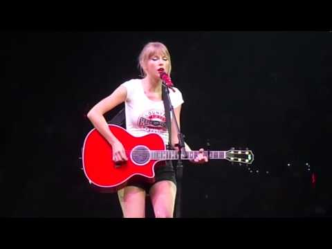 Taylor Swift - Sad Beautiful Tragic - Live at Red Tour finale.