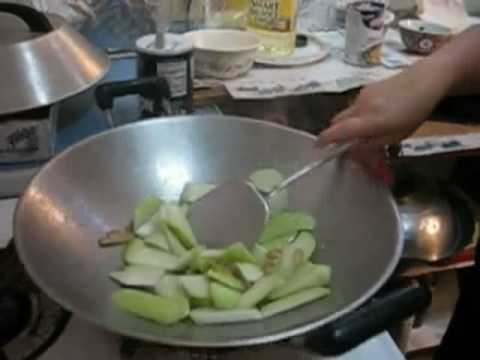 Cantonese Kitchen -Chinese cooking- Sow Gwah Chow Yow Yurh (Stir-Fried Chayote and Squid)
