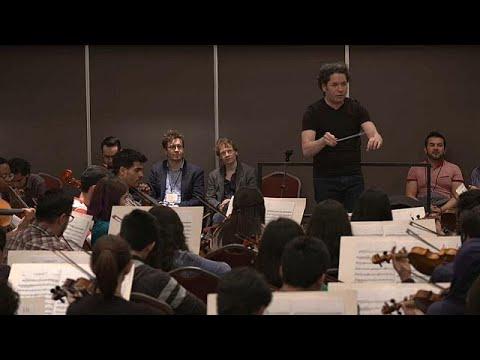 غوستافو دوداميل يشارك شغفه مع الموسيقيين الشباب  - نشر قبل 4 ساعة
