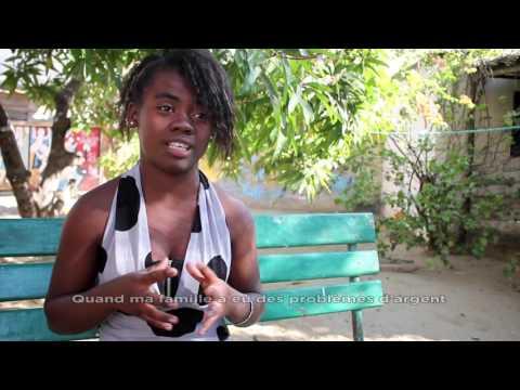 Cristelle, une fille du groupe de la Bloco Malagasy