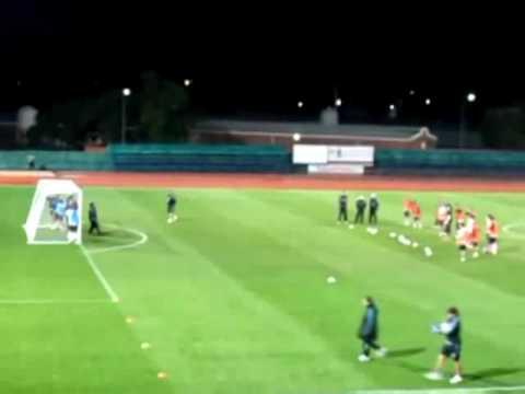 VnExpress   Cầu thủ Argentina  bắn nhau  bằng bóng   Cau thu Argentina  ban nhau  bang bong