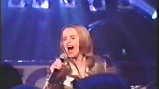 Watch Sheena Easton Giving Up Giving In video