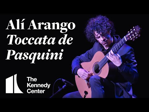 Classical guitarist Alí Arango -