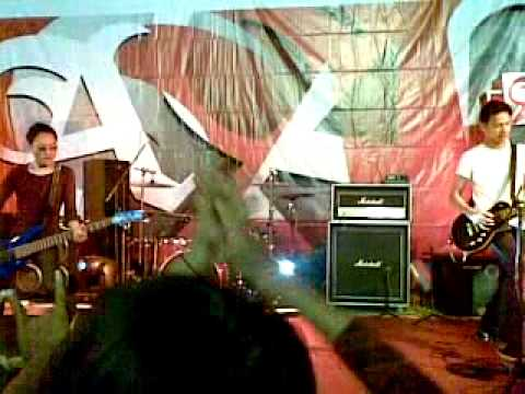 Free Download Garasi - Intro & Awakening Live @ Magelang A Mild Tour (22th October 2011).mp4 Mp3 dan Mp4