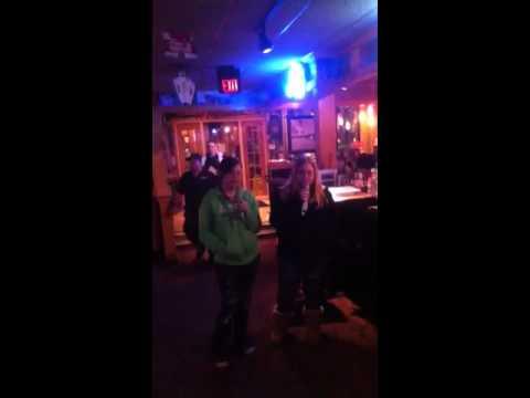 Applebees karaoke