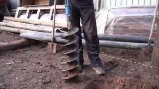 Бензобур ADA Ground Drill-7 в работе(Бурение почвы с корнями деревьев. Шнек 200мм. Где купить:http://sezot.ru/shop/motobury/benzobury-ledobury/benzobur-ada-grounddrill-7-957.html., 2014-03-26T06:51:06.000Z)
