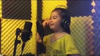 """Clip Hot :Cô bé 6 tuổi hát  Em yêu ông Park Hang Seo"""" cực yêu Bạn trẻ   Cuộc sống"""