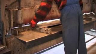 ГИЛЬОТИННЫЕ НОЖНИЦЫ(Гильотинные ножницы. Услуги гильотины, резать на заказ, услуги, резать металл., 2010-11-18T12:50:47.000Z)