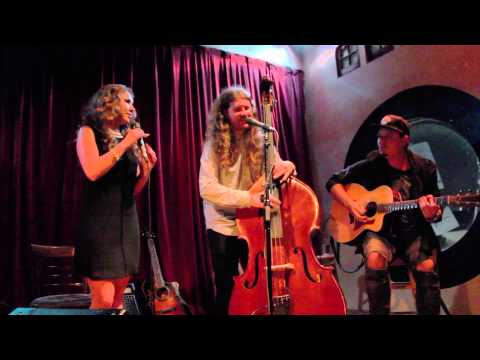Haley Reinhart & Casey Abrams - All About That Bass [2015]