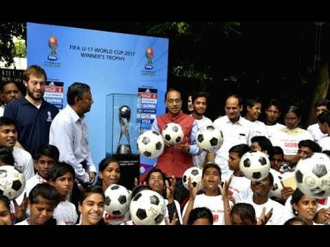 Vijay Goel provide glimpse of FIFA U-17 WC trophy to slum children