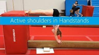 Active shoulders in Handstands
