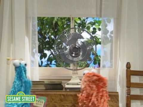 Sesame Street: Martians Discover a Fan