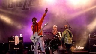 Buzzcocks -- Harmony In My Head (live, Ilosaarirock 2011)