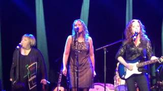 "MAVIS STAPLES with JOAN OSBORNE & BONNIE RAITT - ""Will The Circle Be Unbroken"" 9/25/15"