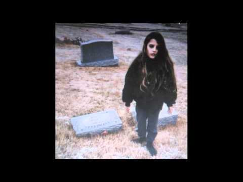 Suffocation - Crystal Castles (Lyrics)