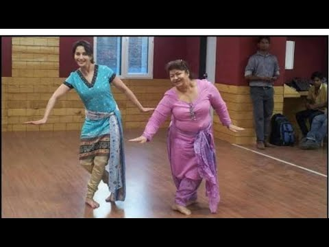 Download Saroj khan killer expression❤ and dance moves💗The mother of Choreography  Queen of dance..