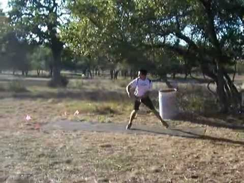 Disc Golf pro driving form comparison - YouTube