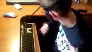Старое домашнее видео снятое мобильным телефоном в 2012г(Рекомендую следующие видео: http://catcut.net/lAZ0 http://catcut.net/0W21 http://catcut.net/Mv41., 2014-12-25T09:41:12.000Z)