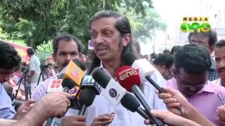 Pannyan Raveendran calls the Communist party split a