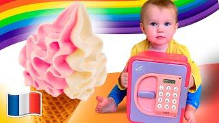 Cinq Enfants jouent avec des jouets de crème glacée
