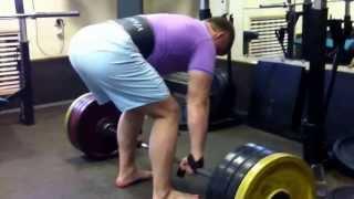 Тяга становая 220 кг Антон отрабатывает становую тягу.