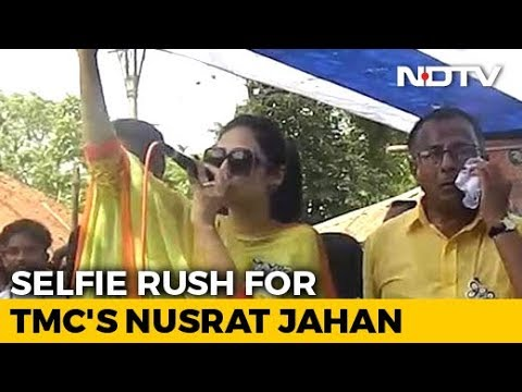 Selfie Rush With Trinamool's Nusrat Jahan Makes Stage Crash At Rally