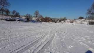 Снегоход Stels S800 Росомаха гоняет по речке(, 2014-02-06T06:21:47.000Z)