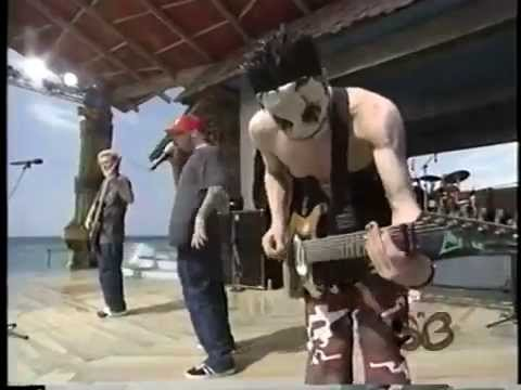 Limp Bizkit - Counterfeit & Nobody Loves Me (Live at MTV Spring Break 1998)