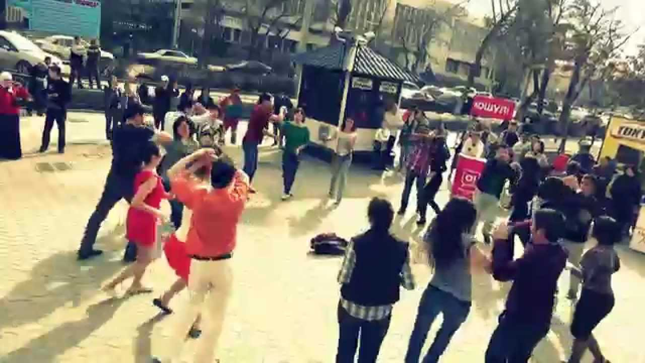 international rueda de casino multi flashmob