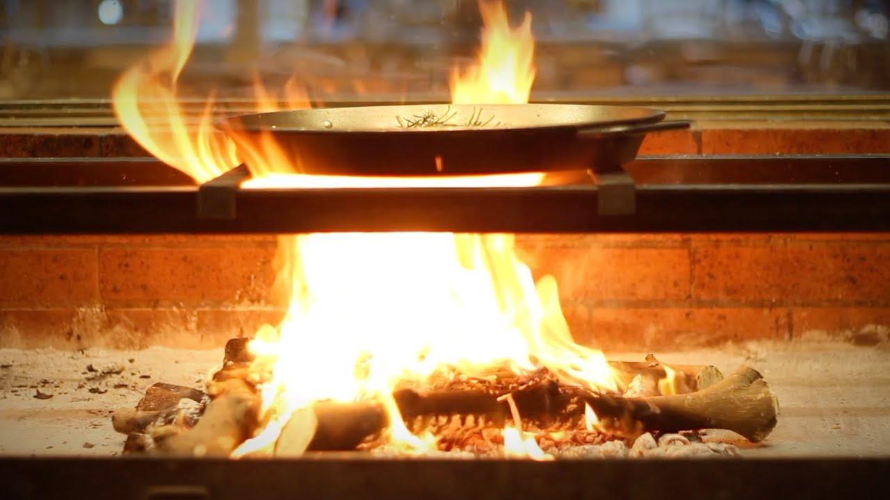 Paella valenciana del restaurante Llisa Negra de Quique Dacosta