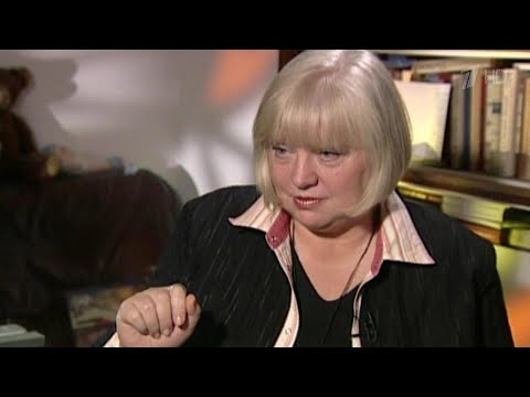 Смотреть «Светлана Крючкова. Я научилась просто, мудро жить...». Документальный фильм онлайн